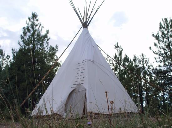 Indianer-Tipi - Ein Hotelzimmer für Touristen