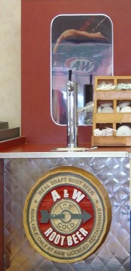 Rootbeer-Zapfsäule im A&W-Fast-Food-Restaurant