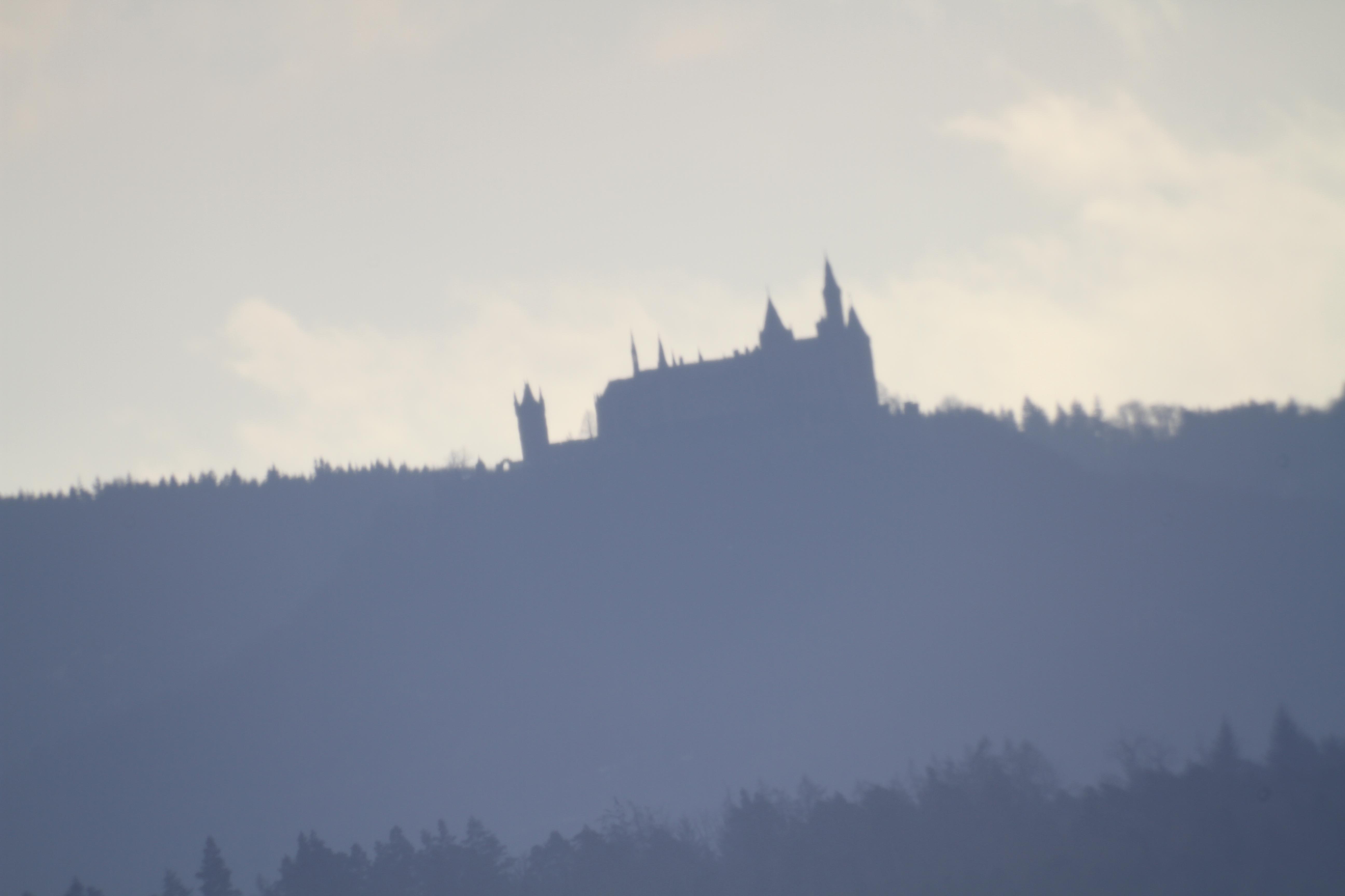 Burg Hohenzollern durchs Teleskop