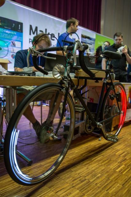 Intelligente Fahrradbeleuchtung in den Speichen