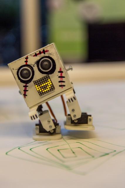 2-beiniger Roboter