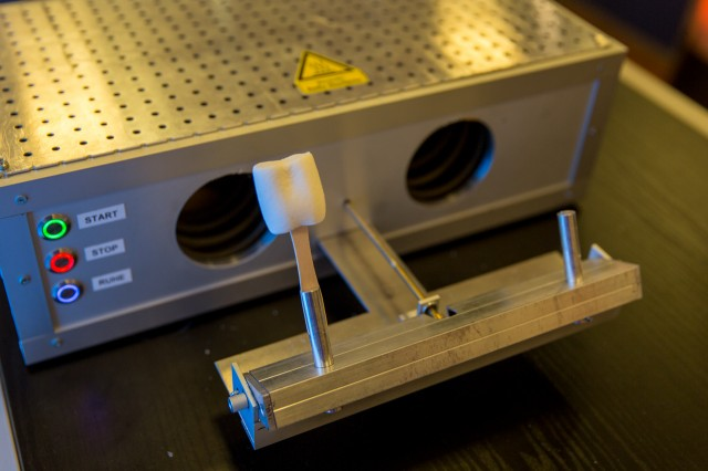 """Jugend forscht Projekt """"Marshmallow-Toaster"""" der Hochschule Emden-Leer"""